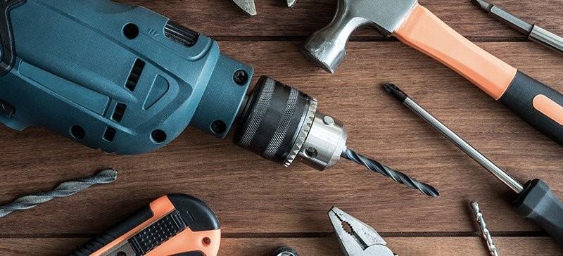 Screws, Drill Bits & Accessories